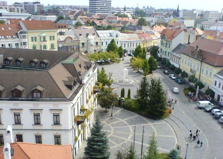 A sétálók az Óváros tér titkait is megismerhetik. Fotó: Veszprém Kukac archív