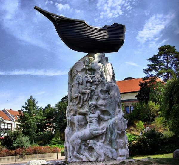 Pogány Gábor Benő szobra. Fotó: Digitális Képarchívum