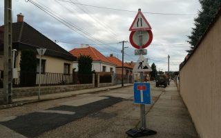 FELÚJÍTÁSOK – A rossz tréfa városa