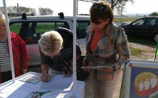 ALÁÍRÁSGYŰJTÉS – Gyalogátkelőhelyért és körforgalomért küzd a Jobbik Gyulafirátóton