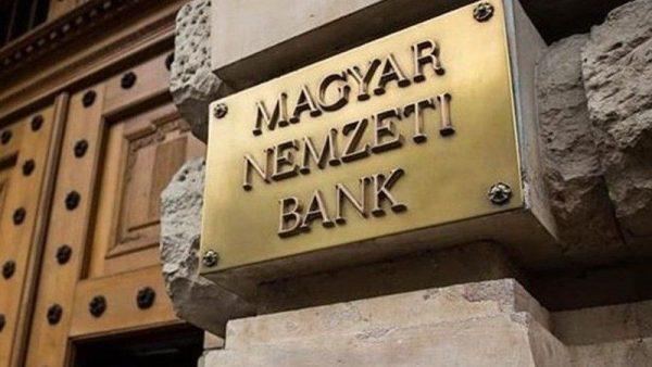Az LMP szerint a Magyar Nemzeti Bank 800 milliárd forintot kereshetett a devizahitelesek árfolyamátváltásán. Fotó: 24.hu
