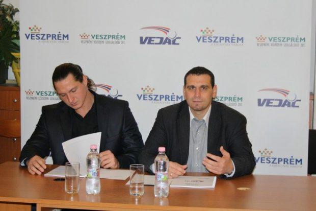 Török Krisztián szakmai igazgató és Németh Attila ügyvezető igazgató (Fotó: VEDAC)