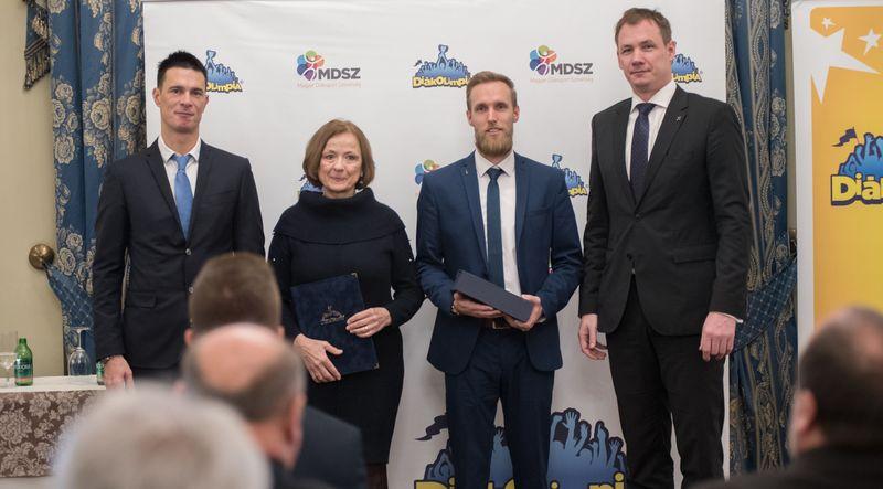 A tanév legeredményesebb diákolimpiai köznevelési intézménye címet a középiskolák között a Vetési Albert Gimnázium nyerte el