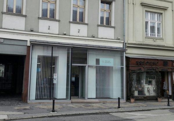 Főgáz iroda, Veszprém, Szabadság tér 4. (Fotó: a szerző)