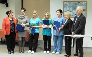 ÁPOLÓK NAPJA  – Idén egy csapat kapta a Kossuth Zsuzsanna-díjat