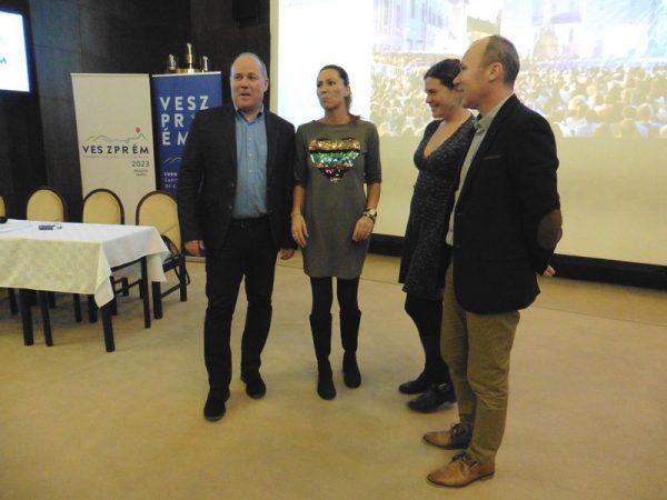 A képen balról jobbra: Mészáros Zoltán, Miklósa Erika, Mike Friderika és Porga Gyula. Fotó: a szerző