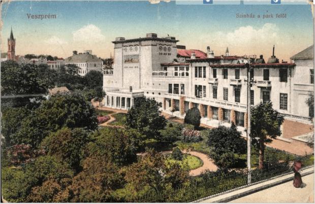 A Petőfi Színház épülete egy régi képeslapon