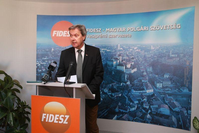 Némedi Lajos alpolgármester. Fotó: Veszprém Kukac archív
