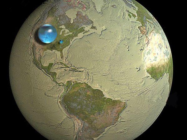 Az infografika a Föld és a bolygónkon található víz tömegének arányát szemlélteti. Ebből a kisebbik vízcsepp mutatja az összes édesvíz mennyiségét. Fotó: water.usgs.gov