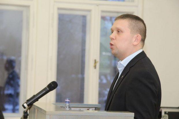 Kész Zoltán szólt arról is, a hatalomhoz foggal-körömmel ragaszkodó ellenfél mindent meg fog tenni, hogy szétszedje az ellenzéki együttműködést