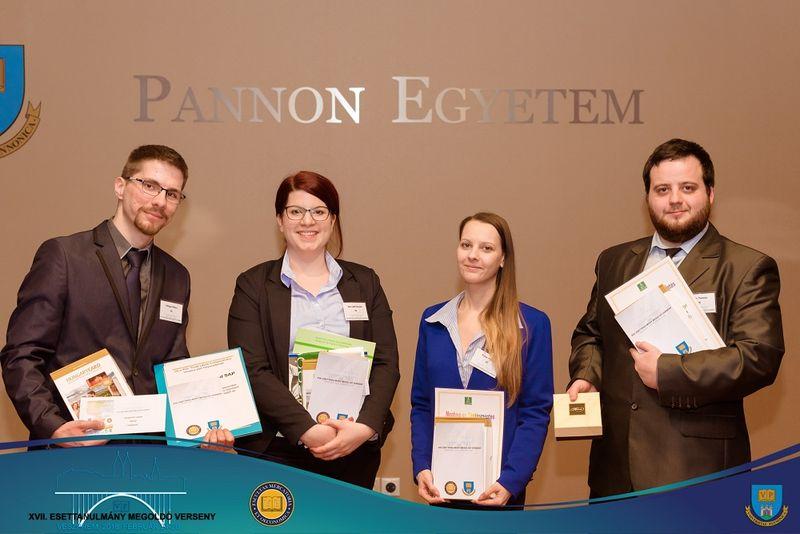 A nyertes csapat. Fotók: Pannon Egyetem