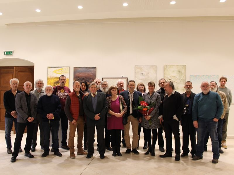 A Veszprémi Művész Céh tagjai a várpalotai kiállítás megnyitóján