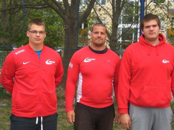 A VEDAC dobói. A fotón balról jobbra: Bedegi Bence, Mozsdényi Dávid, Péringer Márk. Fotó: VEDAC
