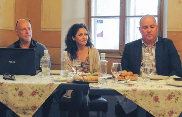 Balról jobbra: Buvári Tamás rendező-producer, Pap Lívia, a film nagykövete és Mészáros Zoltán, az EKF 2023 pályázat művészeti tanácsadója
