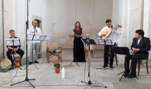 A Recercare Régizenei Műhely a jezsuita templomban adott koncertet. Fotó: a szerző