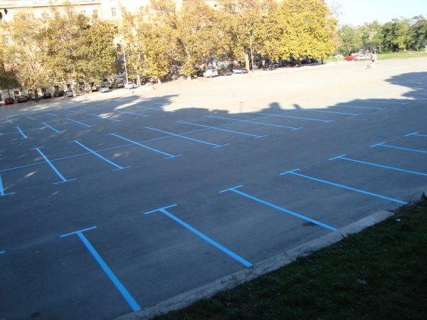 Ha egy településen, vagy településrészen valamilyen helyi ügyben, például egy parkoló építésében kell dönteni, fontos, hogy a döntéshozói kört kitágítsuk. Képünk illusztráció