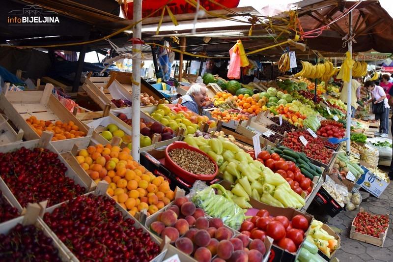Fontos, hogy egészséges ételeket együnk, ezért van szükség városrészi termelői piacokra, ahol mindenki számára elérhető zamatos háztáji termékeket lehet vásárolni. Képünk illusztráció