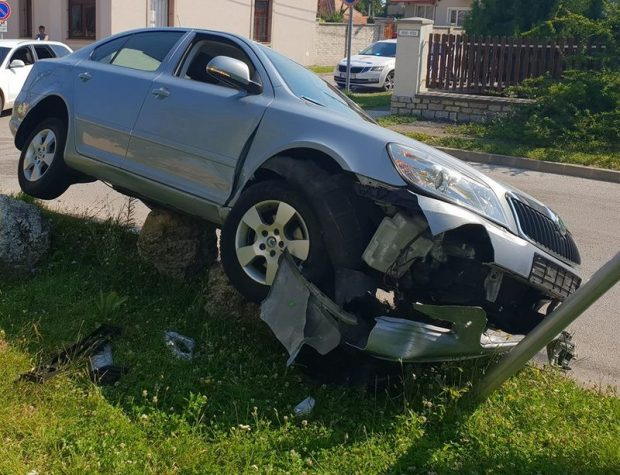 P. Sándor autóját egy figyelmetlen autós totálkárosra törte a szóban forgó helyszínen