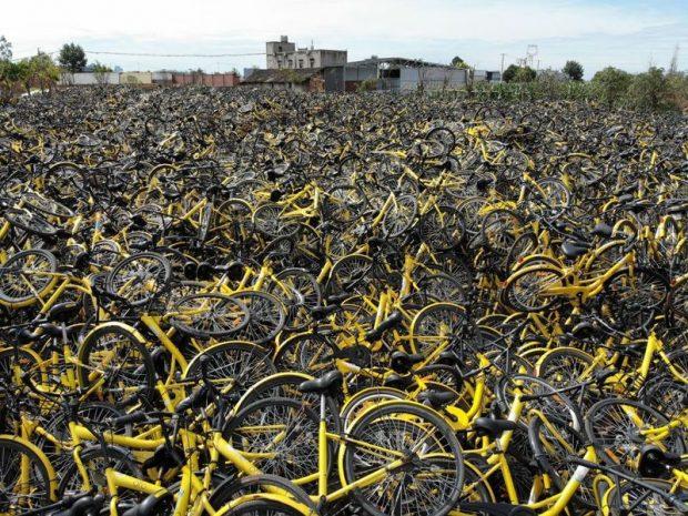 Biciklitemető Csengtuban. Fotó: Yi fang/Imaginechina