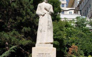 ÜNNEP – Laczkó Dezső lenéz a nép gyermekeire