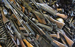 GOLYÓ ÁLTAL – Gyilkosság, öngyilkosság, fegyvertisztítás