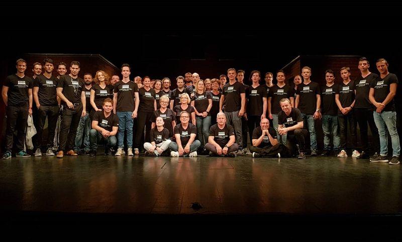 A Veszprémi Petőfi Színház Erdélyben járt csapata. Fotó: VPSZ