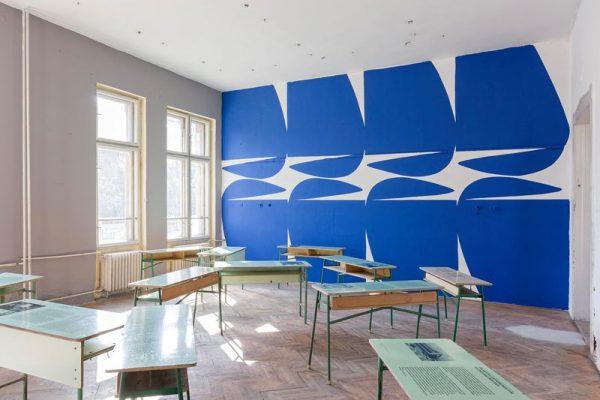 A 12 fal közül az egyik a volt Ének-Zenei Általános Iskolában
