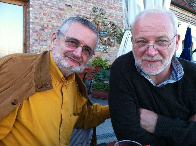 Csányi Vilmossal és Gáczi Jánossal pénteken találkozhatnak az olvasók a megyei könyvtárban, ahol Papp Sándor professzor emeritus beszélget velük