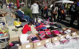GARÁZSVÁSÁR – Az árak jelképesek, de végül mindenki jól jár