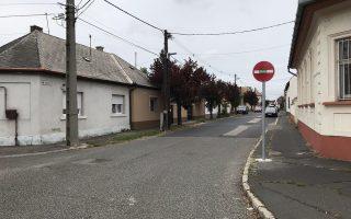 DÓZSAVÁROS – Figyelem: egyirányú lett a Lázár utca!