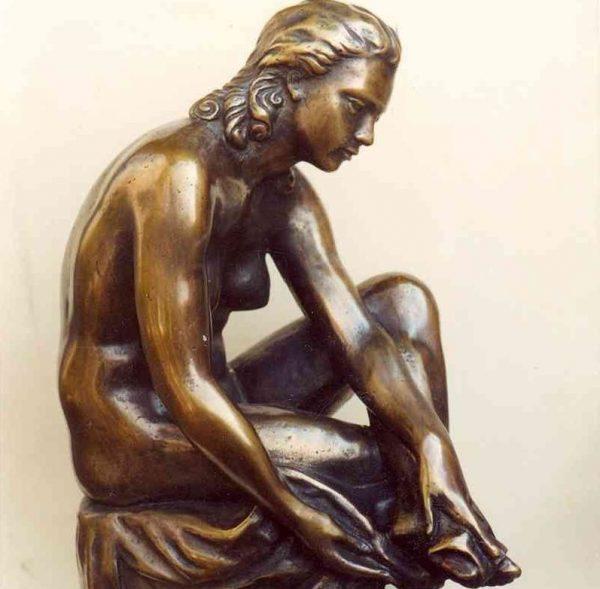 Kisfaludi Strobl Zsigmond szobrának részlete