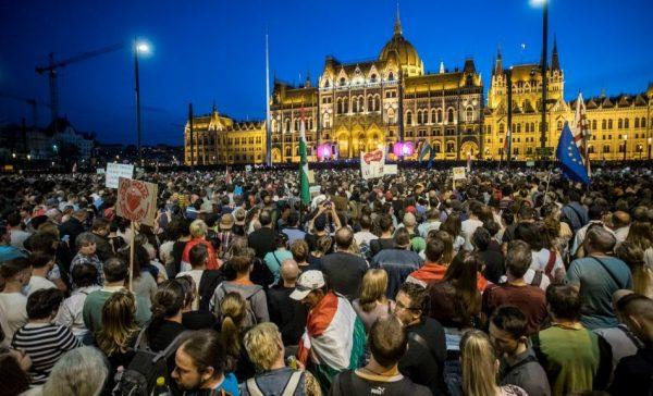 Tüntetés: Fotó: alfahir.hu