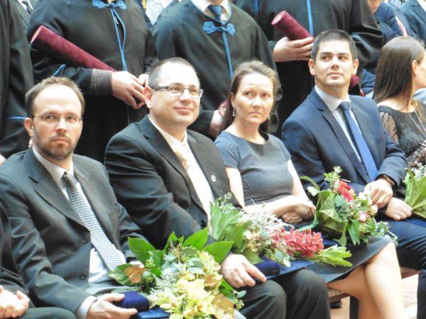 A VEAB Év kutatója díjazottak (balról jobbra: Szűts István Gergely, Szabó Róbert, Stenger-Kovács Csilla, valamint a Méray László-díjas dr. Süle Zoltán. Fotók: a szerző