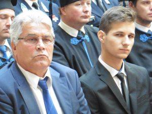 """Polinszky Gábor, a """"Veszprémi Vegyészekért"""" Alapítvány  kuratóriumának elnöke és a Polinszky-ösztöndíjas Nagy Roland"""