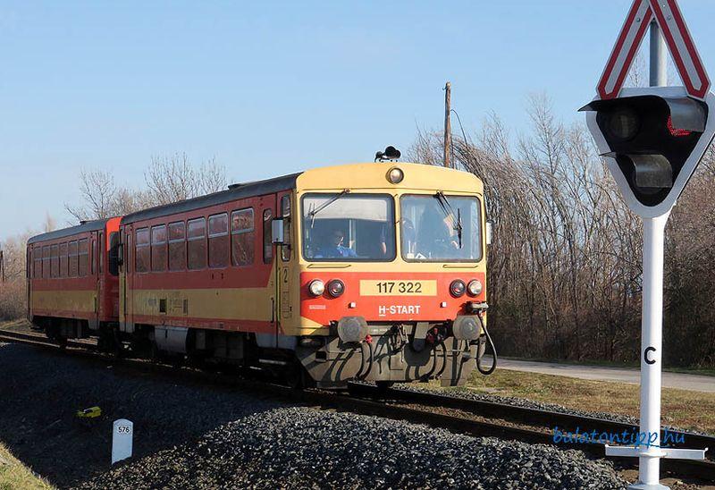 2023-ig eltűnhetnek a BZMOT-vonatok az északkelet-balatoni vasútról. Vagy mégsem. Fotó: Győrffy Árpád/balatontipp.hu
