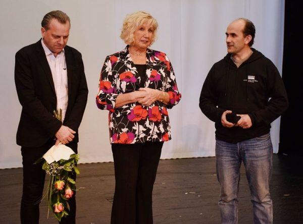 Oberfrank Pál, Bujtor Judit és a díjazott, Cziráki Miklós. Fotó: Veszprémi Petőfi Színház