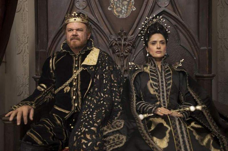 John C. Reilly és Salma Hayek a film egyik jelenetében