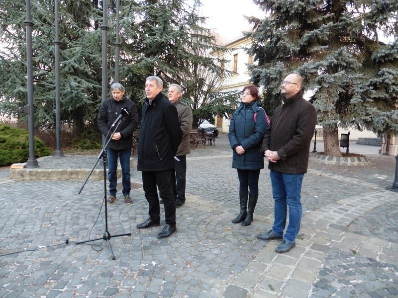 Ellenzéki képviselők a sajtótájékoztatón. Fotó: a szerző