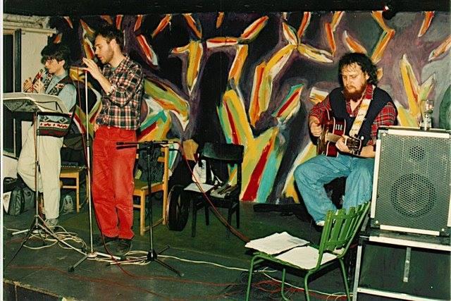 A Bran együttes 1994-ben, az Enyhe Fintor színpadán. Kép forrása: Kovács Gáborján Facebook-oldala