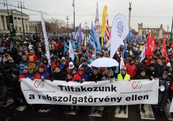 Országos demonstráció kezdődik január 19-én. Fotó: infostart.hu