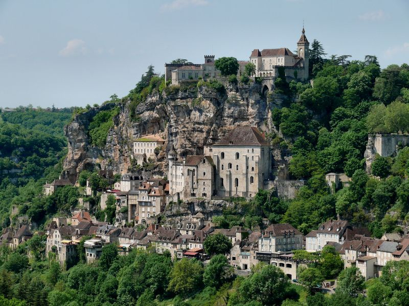 Idilli falucska Midi-Pyrénées térségében. Fotó: internet