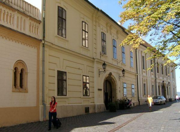 A Dravecz-ház a várban. Fotó: richem.hu