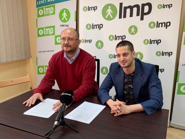 Gerstmár Ferenc és Ungár Péter a sajtótájékoztatón. Fotó: LMP