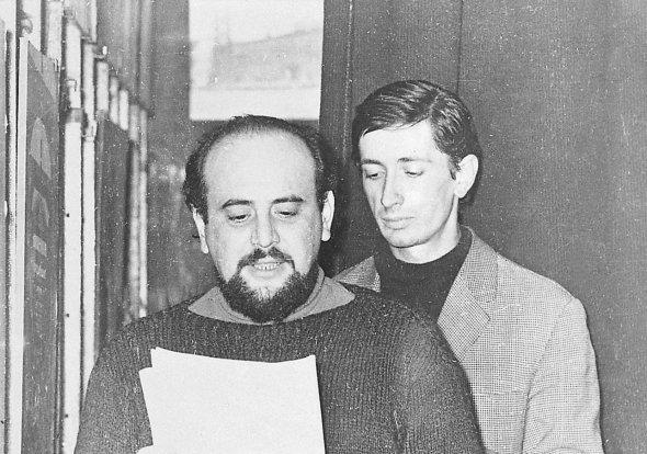 Erdélyi Miklós 1968 novemberében megnyitja az Iparterv I kiállítást. Fotó: tranzit.org