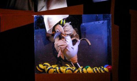 Március 21-én, csütörtökön 14 órakor A kiskakas gyémántfélkrajcárja című előadást tekinthetik meg az érdeklődők a Kabóca Bábszínházban