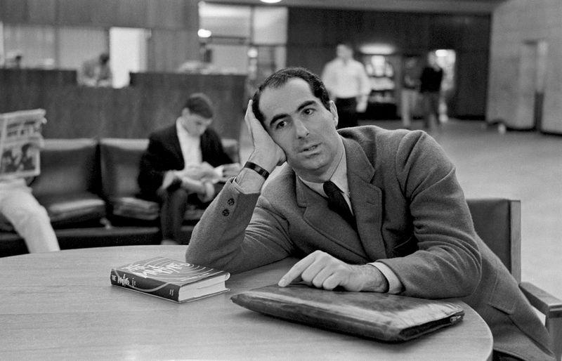 Philip Roth 1964-ben. Fotó: Sam Falk/The New York Time/Redux