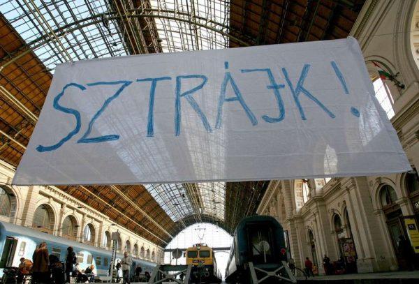 A Nyugati pályaudvar a 2007-es vasutassztrájk idején. Fotó: Kállai Márton