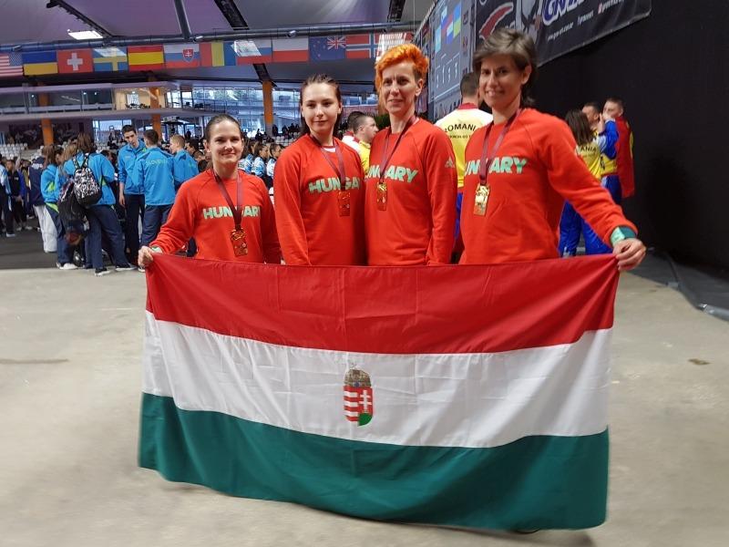 Balról jobbra: Bécsi Nikolett, Süli Tamara, Kosztyu Veronika és Mucsy Petra