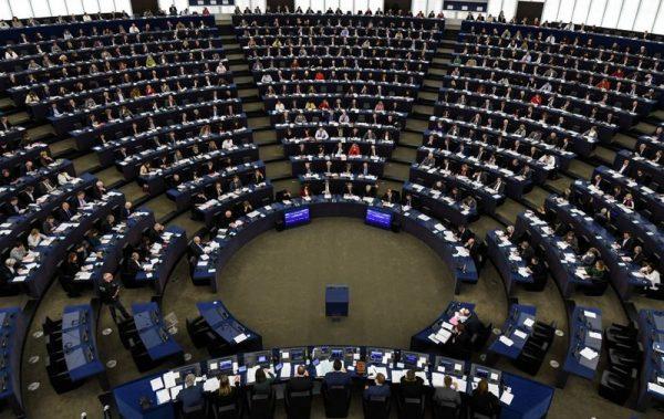 Az Egyesült Államokat, a NATO-t, a Nyugat-barát politikusokat és a nyugati demokratikus normákat közvetlenül támadó dezinformációra az európaiak általános politikai orientációját megváltoztatni kívánó tevékenységként tekinthetünk, aminek kihatása lehet az EP-választások eredményére is. Fotó: infostart.hu