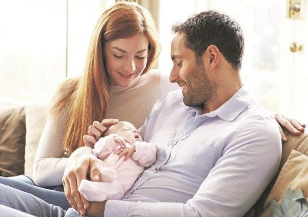 A kutatók szerint eredményeik alapján még egyértelműbb, hogy milyen terhet viselnek az anyák a szülés után, de az is, hogy viszonylag egyszerű és olcsó közpolitkákkal ez a teher jelentősen mérsékelhető. Képünk illusztráció